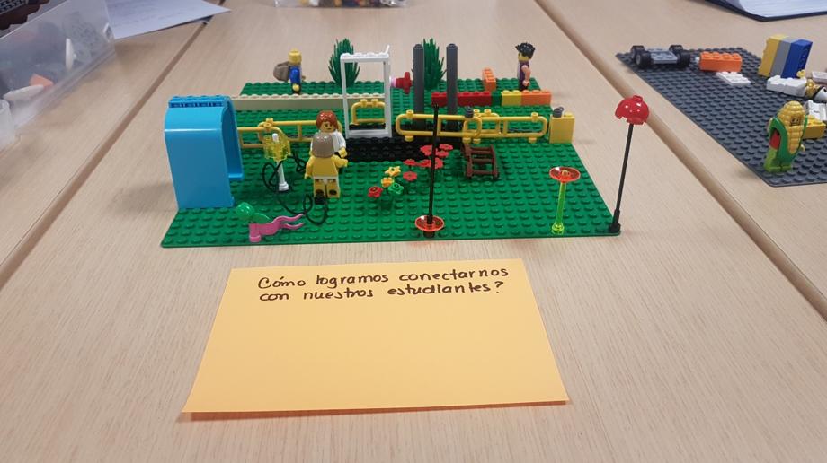 Foto: CAE+E. Círculo de innovación 3. Haciendo tangible una idea de innovación. Marzo 22, 2019.