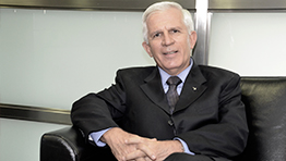 P. Jorge H. Peláez S,J Rector Universidad Javeriana