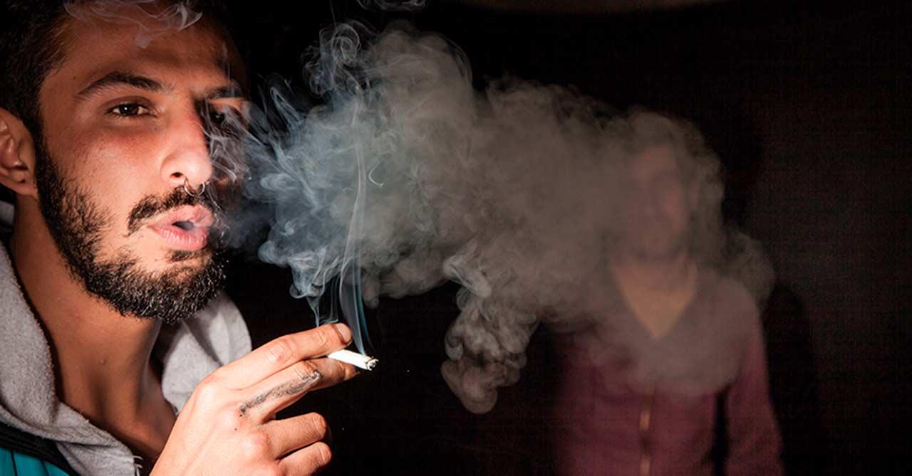 ¿Dejar de fumar? Guía para los adultos del país