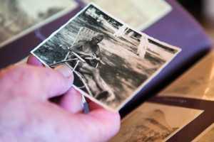 La fotografía y la literatura son las otras dos pasiones del investigador Andrés Etter.