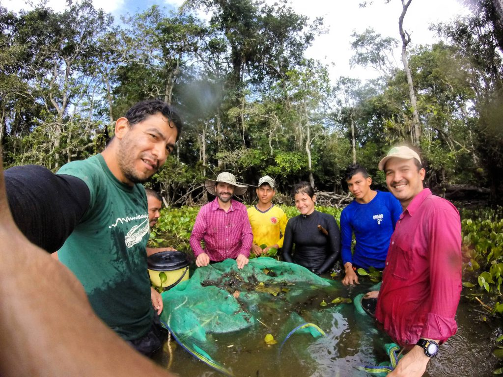 Los investigadores del proyecto, durante una de sus múltiples salidas de campo a la Amazonía.