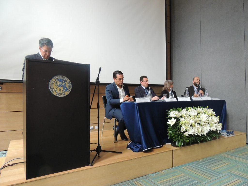 Académicos, comunicadores y servidores públicos lideraron la discusión en torno al papel de las entidades y la comunicación de temas de salud.