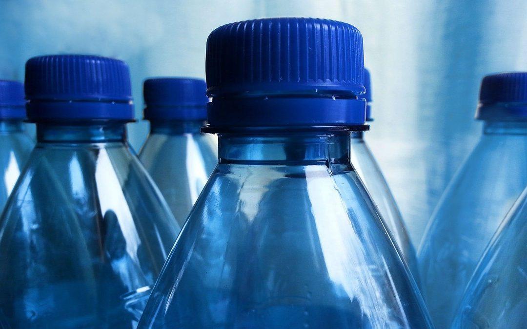Agua Embotellada: Efectos ambientales y en salud
